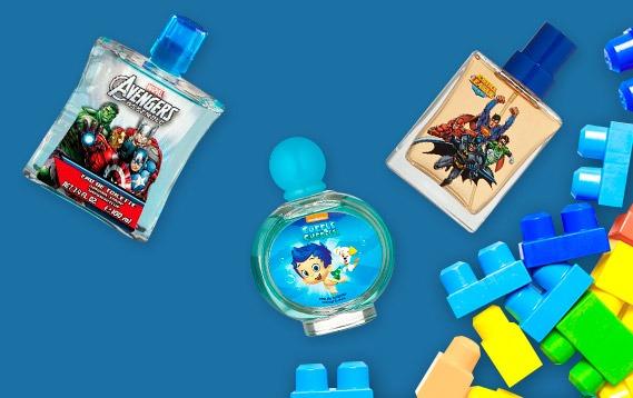 Perfumes para niños en exhibición.